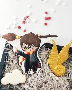 Harry Potter Cake, Harry Potter Birthday, Pijamas Harry Potter, Cookie Designs, Cookie Ideas, Garri Potter, Cartoon Cookie, New Years Cookies, Cute Cookies