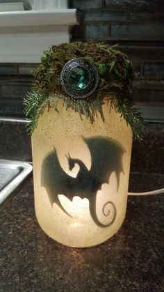 Emerald Crested Dragon in a Jar Night Light Crafts To Sell, Fun Crafts, Diy And Crafts, Crafts For Kids, Arts And Crafts, Mason Jar Crafts, Bottle Crafts, Dragon Silhouette, Fairy Jars