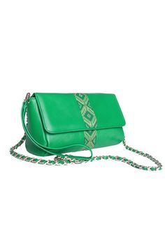 Try a new fresh look with the Green Bumblebee! Handcrafted in supple leather with signature embroidered detailing, this stylish crossbody bag is ideal for every day of the week while you will be enjoying your experiences with your must haves perfectly organized and hands free. #busta #bustabags #leatherbag #leather #streetstyle #green #embroidery #folklore #handmade #crossbody #leathercrossbody #metalchain