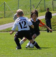Rozgrywki piłkarskie