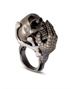 Diamond Skull head ring, this is awesome. Skull Jewelry, Jewelry Box, Jewelry Accessories, Unique Jewelry, Skull Rings, Jewellery, Biker Accessories, Western Jewelry, Hippie Jewelry