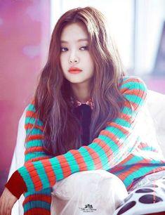 Jennie (Black Pink) bị tố hư hỏng khi lộ ảnh thời chưa nổi tiếng - Ảnh 2