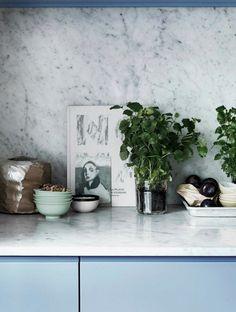 love love love the backsplash. Scandinavian Retreat: Stylist´s home