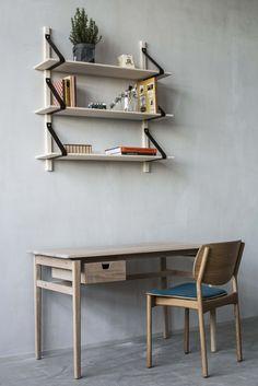 Otto desk, Pine shelf, Fröja chair. Möbelverket Showroom.