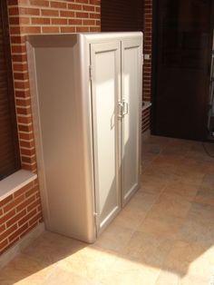 Aluminios Garcilaso | Productos - Cerramientos de aluminio | Carpintería de aluminio en Barcelona Top Freezer Refrigerator, Tall Cabinet Storage, Kitchen Appliances, Exterior, Barcelona, Furniture, Blog, Closet, Home Decor