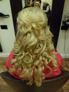 Half Up Curly Hair, Curly Hair Styles, Dreadlocks, Beauty, Curls, Dreads, Beauty Illustration, Locs