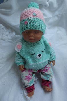"""Oblečky pro panenky - \""""Hraví méďové\"""" Knitting Dolls Clothes, Knitted Dolls, Doll Clothes, Crotchet Patterns, Doll Patterns, Knitting Patterns, Knitting For Kids, Baby Knitting, Beautiful Children"""