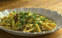 Receita de Jamie Oliver: massa à carbonara com abobrinha - Receitas - Receitas GNT