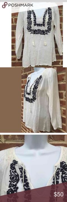 """Joie Peasant Top Size XS Size XS Excellent condition. Worn once.  100% cotton 24.5"""" long 18.5"""" armpit to armpit peasant top blue embroidered Joie Tops Blouses"""