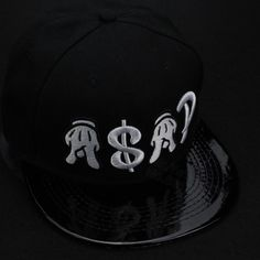 Encontrar Más Gorras de béisbol Información acerca de 2015 nueva moda  negros sombreros ajustables del snapback b8d489c0f49