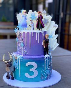 Elsa Birthday Cake, Frozen Themed Birthday Cake, Frozen Theme Cake, Frozen Themed Birthday Party, Disney Frozen Birthday, Themed Cakes, Frozen Cupcake Toppers, Frozen Cupcakes, Third Birthday