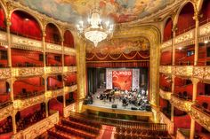 Panamá│Panamá - #Panama // Our beautiful National Theater. Thank you for this great picture.