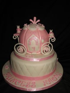 Princess carriage and roses cake Made for a little princesss