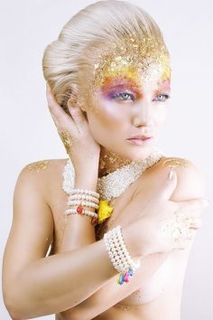 gold glitter and glamour www.makeup-partner.ch (artist unknown)