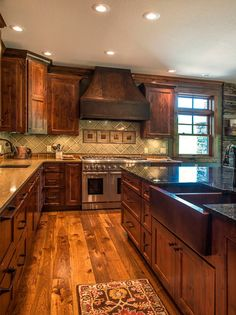 farmhouse kitchen 622130136010844618 - Rustic Kitchen Ideas – Browse photos of rustic kitchen layouts. Discover ideas for your mountain design kitchen remodel or upgrade with ideas for storage space, company, layout and also … Source by birchallmarilou Rustic Kitchen Design, Home Decor Kitchen, New Kitchen, Kitchen Dining, Awesome Kitchen, Kitchen Designs, Kitchen Sinks, County Kitchen Ideas, Basic Kitchen