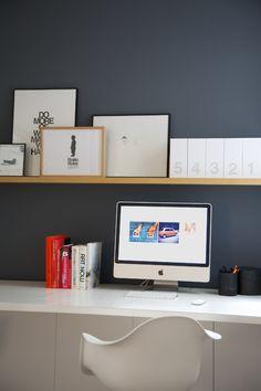 Ambiance's desk