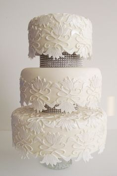 Wedding Cake London Cake Cookies, Cupcake Cakes, Cupcakes, 3 Tier Wedding Cakes, London Cake, White Cakes, Cake Art, Beautiful Cakes, Cake Ideas