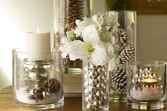 Adornos navideños con recipientes de vidrio