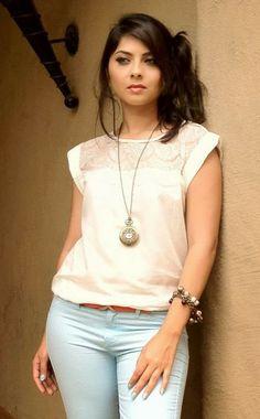 Sonali Kulkarni Sonalee Kulkarni, Wallpaper For Facebook, Indian Photoshoot, Cool Photos, Girl Outfits, Ruffle Blouse, Glamour, Actresses, Image