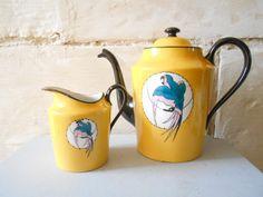Art Deco Tea Set with Parrot Decor French Tea Pot par Birdycoconut