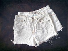 White Distressed – KenzieLeighCoyne Nashville  Denim shorts / summer style / fashion / street style / fall fashion / denim / blogger / stylist / Nashville style / beach style / trendy / women's fashion