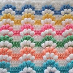 This Pin was discovered by Nur Diy Crafts Crochet, Crochet Art, Crochet Stitches, Crochet Projects, Diy And Crafts, Crochet Patterns, Crochet Baby Blanket Beginner, Free Crochet Bag, Manta Crochet