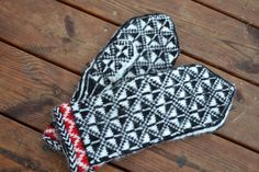 Knit Mittens, Mitten Gloves, Fair Isle Knitting, 2 Ply, Winter Accessories, Diy Projects To Try, Keep Warm, Ravelry, Knitting Ideas
