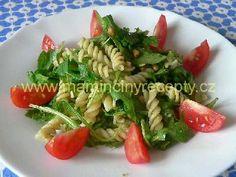 Těstovinový salát s rukolou