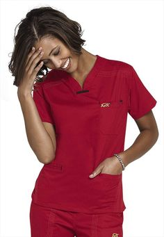 Women's scrub tops made from soft materials, designed to keep you cool and fresh all day. Choose from a variety of scrub top styles at Scrubs & Beyond. Dental Scrubs, Nursing Scrubs, Dental Uniforms, Nurse Betty, Scrubs Uniform, Dental Assistant, Casual Work Outfits, Scrub Tops, Work Wear