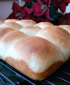 Buttermilk Dinner Rolls ~ use this recipe to make shapes ~ crescents and knots, brush with melted butter, garlic and parsley Homemade Buttermilk, Homemade Donuts, Homemade Dinner Rolls, Baked Rolls, Good Food, Yummy Food, Frozen Meals, Yummy Eats, How Sweet Eats