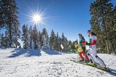 #Skiurlaub für #Familien im #Mühlviertel. Alle Infos und Angebote zu #Skifahren im #Granithochland unter www.muehlviertel.at/skifahren ©Oberösterreich Tourismus/Erber Baby Hotel, Austria, Mount Everest, Mountains, Nature, Travel, Outdoor, Snowboarding Holidays, Hotels For Kids