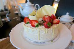 Mohntorte mit Buttercreme - Bine kocht! Butter, Creme, Cheesecake, Desserts, Food, Bakken, Treats, Dessert Ideas, Cheesecakes