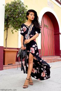 Floral print maxi dress with high slit for fab summer look