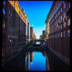 #happy#smile#fun#instamood#all_shots#webstagram#day#instalove#instaphoto#landscape#summer#bluesky#water#architecture#hamburg#hh#ig_hamburg#schönstestadtderwelt#hhahoi#moinmoin#instahamburg#hamburgliebe#typischhamburch#nordischbynature#welovehh#igershamburg#wirsindhamburg#meinhamburg#wearehamburg