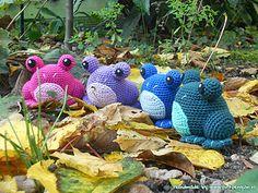 A crochet pattern for a cute goofy amigurumi frog.