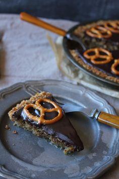 Pink Patisserie: Chocolate Bourbon Pretzel Pie