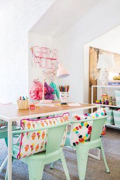 Une chambre d'enfant couleur pastel