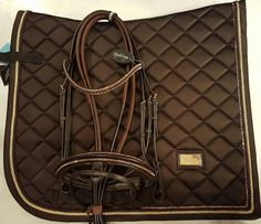 """138 Likes, 4 Comments - XtremeHorseMakeover (@xtremehorsemakeover) on Instagram: """"XtremeDesign crystal brown Swarovski kitt. Equestrian Stockholm saddle pad in lovely brown with…"""""""