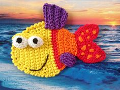 Crochet Applique pattern Crochet Fish applique by CrochAnna Crochet Mignon, Crochet Fish, Crochet Flowers, Crochet Toys, Crochet Applique Patterns Free, Crochet Motifs, Baby Knitting Patterns, Crochet Stitches, Afghan Patterns