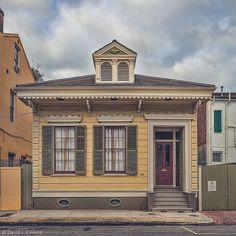 Three-bay Victorian Cottage (c. 1886) on Barracks St. French Quarter New Orleans. | #neworleans #frenchquarter #victorian #iheartnola #alwaysneworleans #architecture #nolaarchitecture #archdaily #followyournola #showmeyournola #nola #nolalove #thisisnola #oldhouse #archi_ologie #itsyournola #casasecasarios by davidlhoste