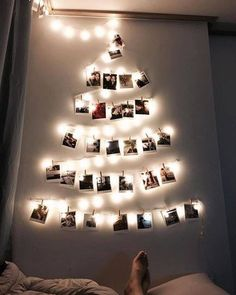 Christmas Wall Decoration Ideas That Are Refined and Modern Christmas decors - Hike n Dip Cute Bedroom Decor, Bedroom Decor For Teen Girls, Teen Room Decor, Wall Christmas Tree, Christmas Home, Christmas Crafts, Office Christmas, Unique Christmas Trees, Christmas 2019