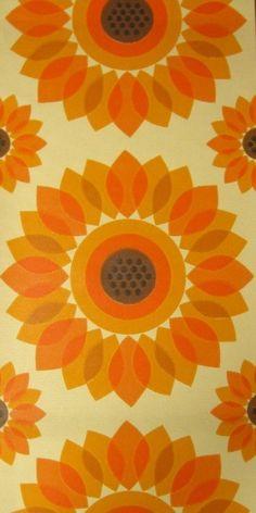 Giant Sunflower | Wallpapers new in stock | Vintage Wallpaper | Johnny-Tapete