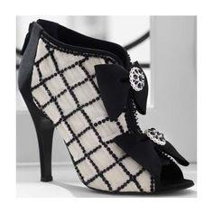 Shoe Showdown Chanel Spring 2009 Bowtie Bootie
