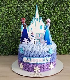 95 suggestions to delight your guests - Birthday FM : Home of Birtday Inspirations, Wishes, DIY, Music & Ideas Frozen Birthday Party, 4th Birthday Cakes, Frozen Party, Olaf Party, Frozen Frozen, Cupcakes Frozen, Frozen Theme Cake, Tarta Frozen Disney, Disney Cakes