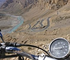Gata loops are the 21 curves on highway near Sarchu in Jammu and Kashmir.  Looks like a board game like snake ladder riding motorcycle on these was a new experience.  Have you been there?  #pass #ladakh #leh #sarchu #nature #snow #ice #roads #highway #mountains #riding #motorcycle #biketrip #solotrip #India #snowmountains #snowclad #naturetreasure #nature_wizards #instavacation #instago #travelphotography#highwaymonks #motorcyclediaries #mothernature #himachal #roadtrip #LehManaliHighway…