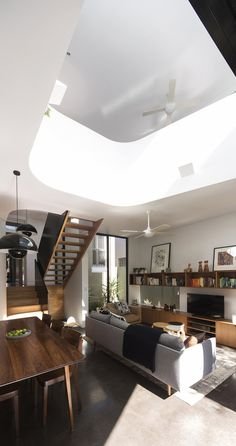 Gallery of Unfurled House / Christopher Polly Architect - 4