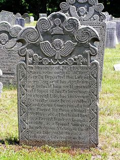 Gravestone in the Old Center Burying Ground, in Mansfield, CT. An example of the work of Josiah Manning.