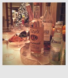 Tips for setting up your holiday bar and some truly wonderful entertaining ideas! Check out Valerie's Eat-Drink-Garden Blog
