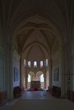 Choir, Abbaye Notre Dame de Morienval, Morienval (Oise) Photo by Dennis Aubrey