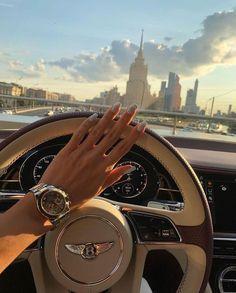 Boujee Lifestyle, Luxury Lifestyle Fashion, Lifestyle Clothing, Boujee Aesthetic, Travel Aesthetic, Aesthetic Fashion, Aesthetic Pictures, Rich Girl, Rich Man
